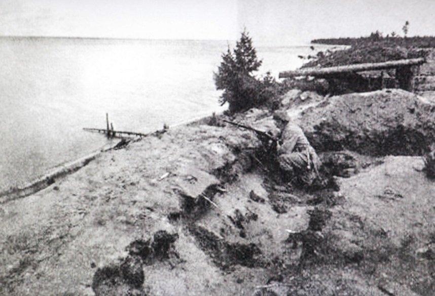 Береговая линия обороны немецкой армии на озере Нарочь.