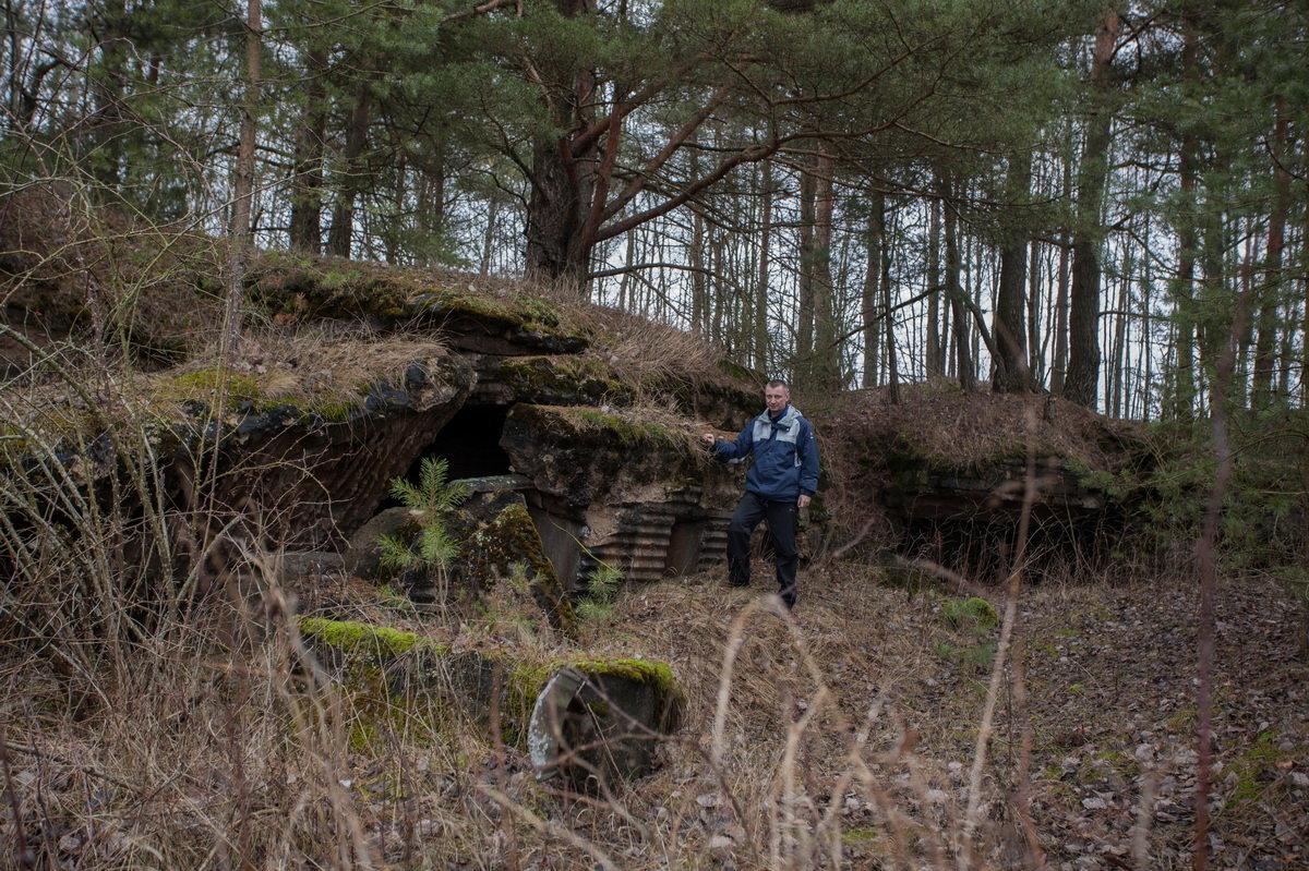 Немецкие бетонные сооружения, сохранившиеся на местах боев в районе деревень Занарочь и Стаховцы.