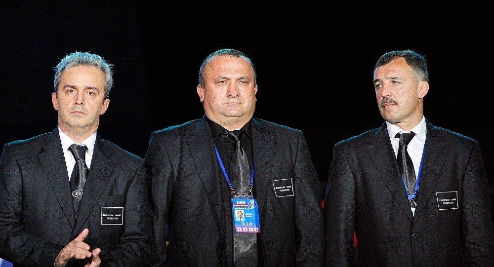 Члены оргкомитета Чемпионата Европы по самбо, справа - Владимир Япринцев