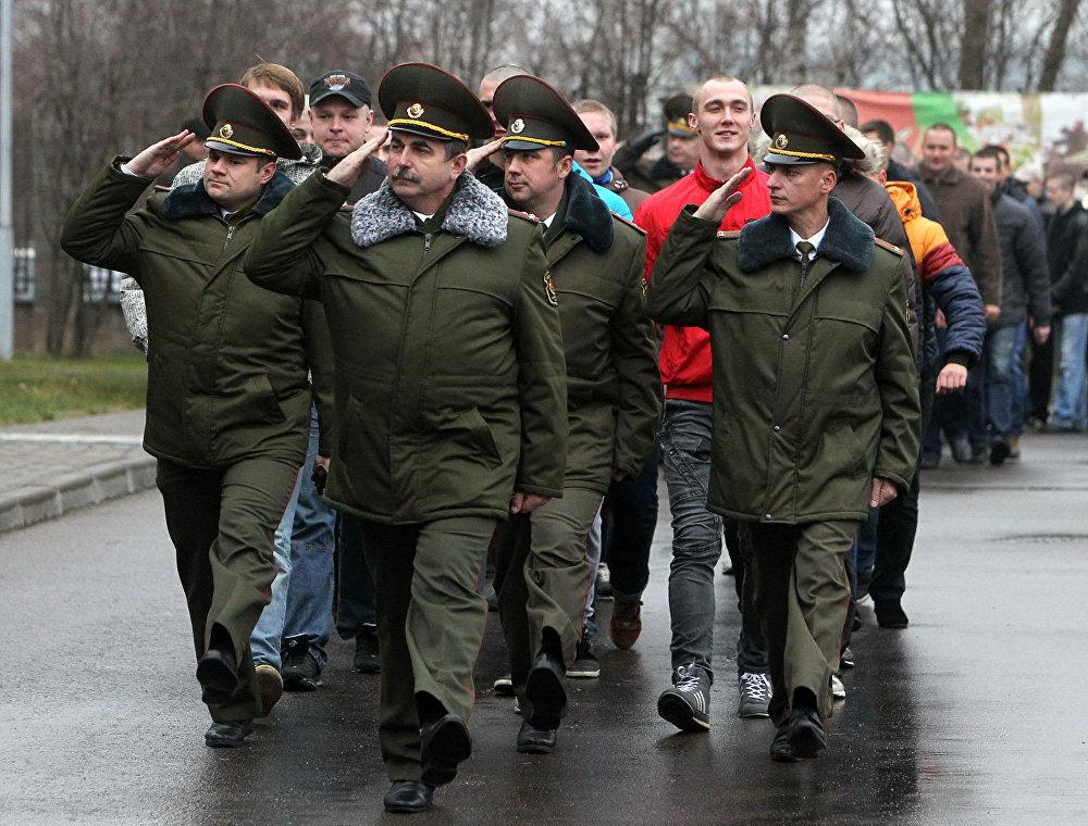 Всего в ноябре на укомплектование воинских формирований Беларуси направят до 10 тысяч человек