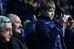 Александр Лукашенко вместе с сыном Николаем на церемонии открытия XXII зимних Олимпийских игр