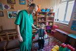 Заведующий детским отделением Донецкой областной больницы Евгений Жилицын