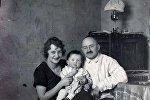 Переводчик Гомера и автор первой белорусской грамматики Бронислав Тарашкевич с семьей. Расстрелян в 1938-м