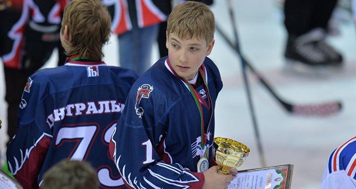 Детская хоккейная команда Центрального района Минска Грифоны Николай Лукашенко