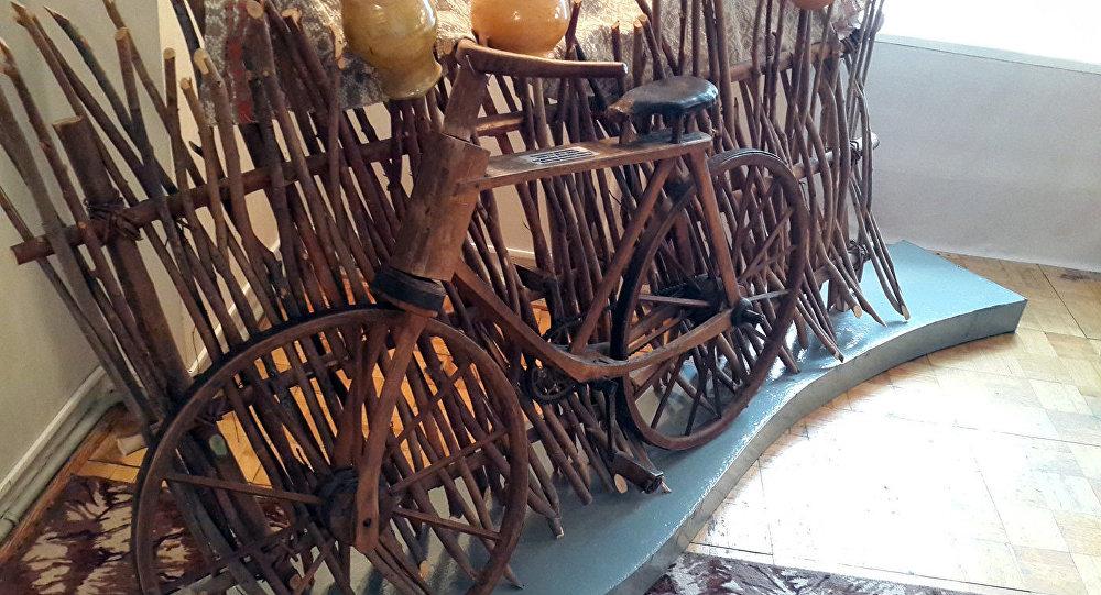 Деревянный велосипед – изюминка Музея белорусского Полесья