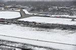 Вид на взлетно-посадочную полосу аэропорта в Ростове-на-Дону