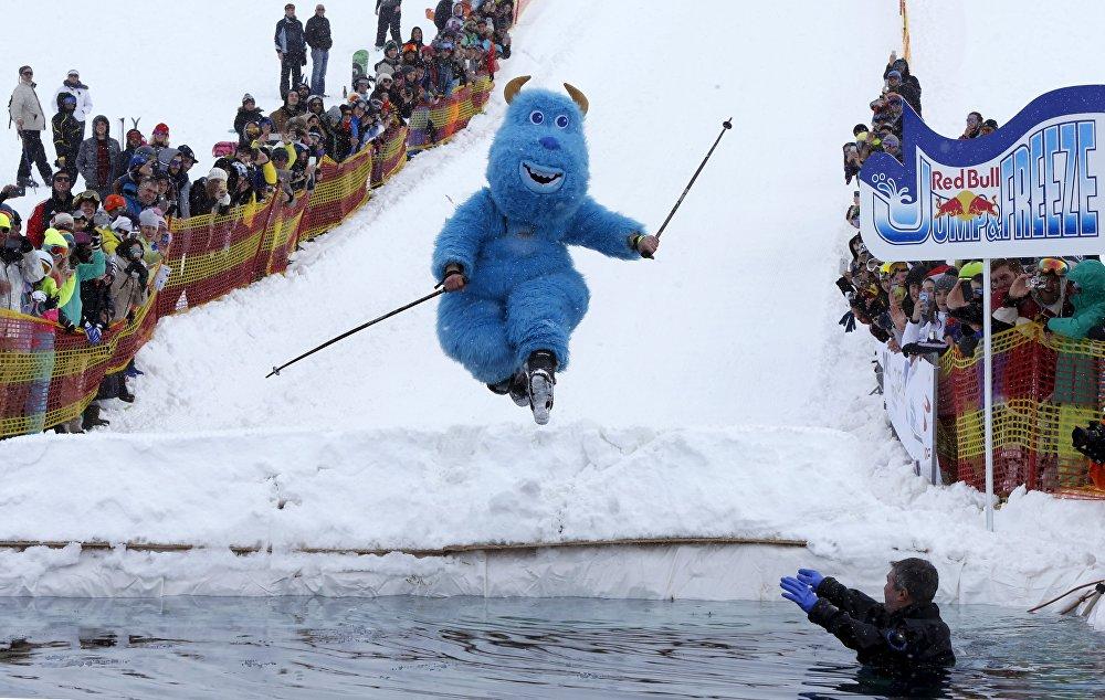 Удзельнік штогадовых спаборніцтваў Red Bull Jump and Freeze