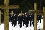 Министр иностранных дел Польши Витольд Ващиковски и посол Польши в РБ Конрад Павлик в Куропатах