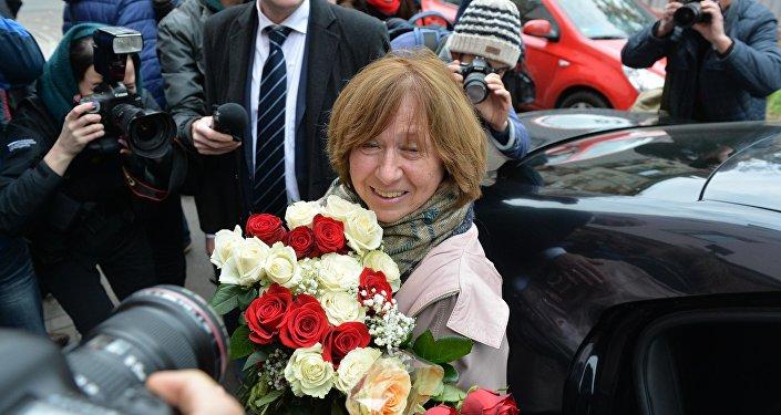 Светлана Алексиевич на первой пресс-конференции после получения Нобелевской премии