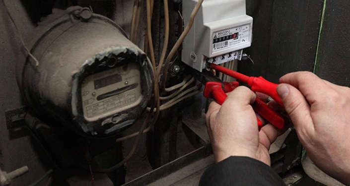 Белэнерго предупредило белорусов об электриках-мошенниках