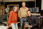 Джереми Кларксон и Джеймс Мэй с радиоведущим Джимми О'Коннелом