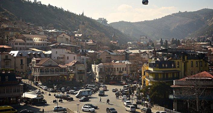 Вид на исторический центр Тбилиси от Метехской церкви