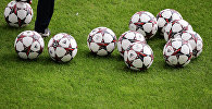 Футбольные мячи
