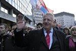 Воислав Шешель на антиправительственном митинге в Белграде 24 марта 2016 года