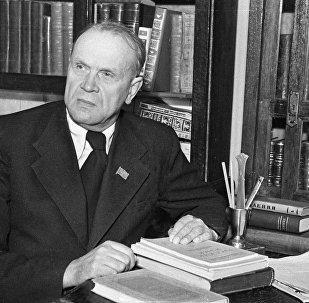 Кандрат Крапіва, 1951 год