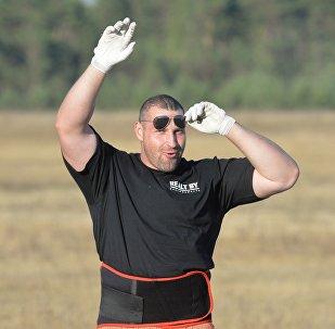 Белорусский силач Кирилл Шимко
