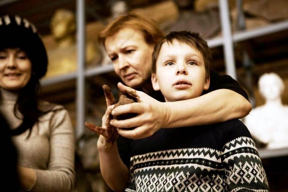 Сын увидел маму и не смог удержаться смотреть онлайн видео фото 642-905