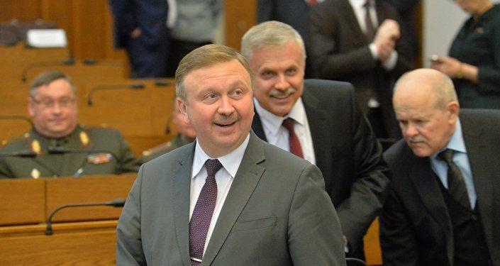 Курс доллара в 2017г. составит приблизительно 2,2 рубля— Прогноз белорусского руководства