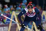 Уле-Эйнар Бьорндален (Норвегия) на огневом рубеже спринтерской гонки в соревнованиях по биатлону среди мужчин на XXII зимних Олимпийских играх в Сочи