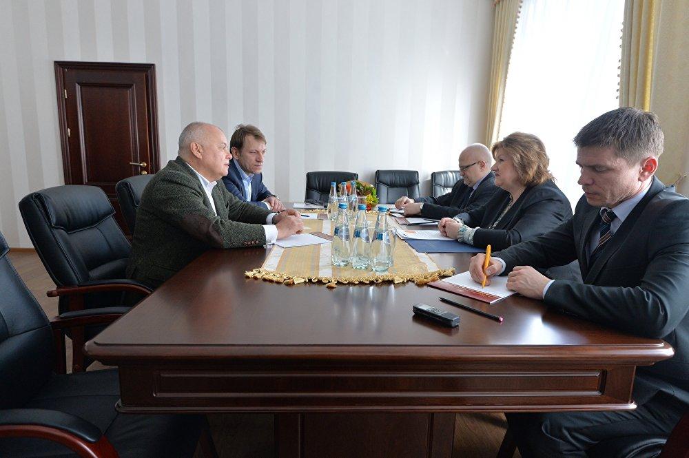 На встрече в Министерстве информации
