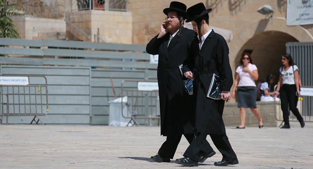 Мужчыны ў старым горадзе Іерусаліма