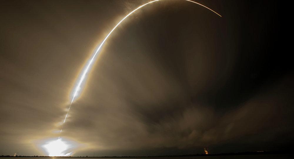 Запуск ракеты, архіўнае фота