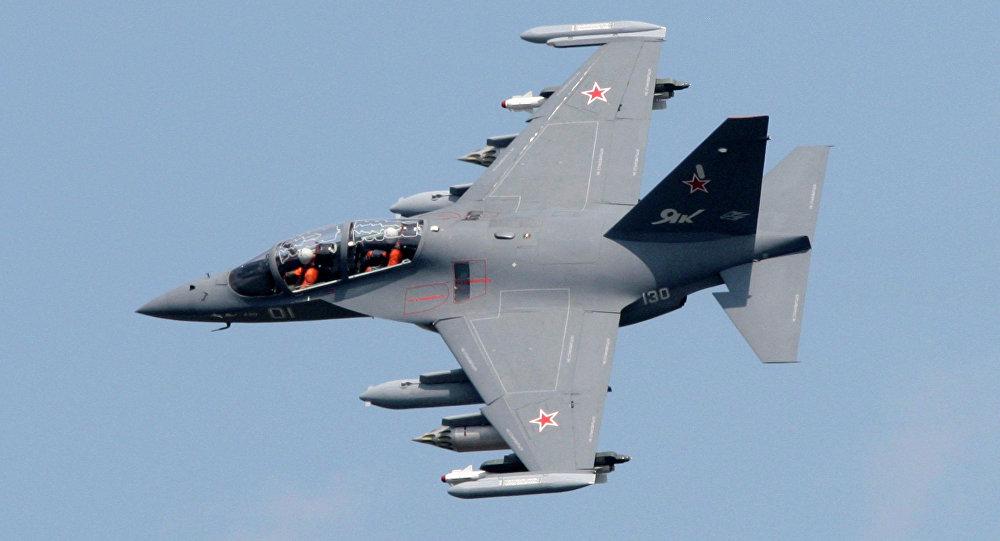 Самалёт Як-130