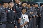 Полиция Бангкока в оцеплении