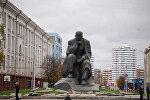 Памятник Коласу в Минске