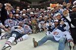 Игроки Металлурга, ставшие обладателями Кубка Гагарина Континентальной хоккейной лиги сезона 2015-2016