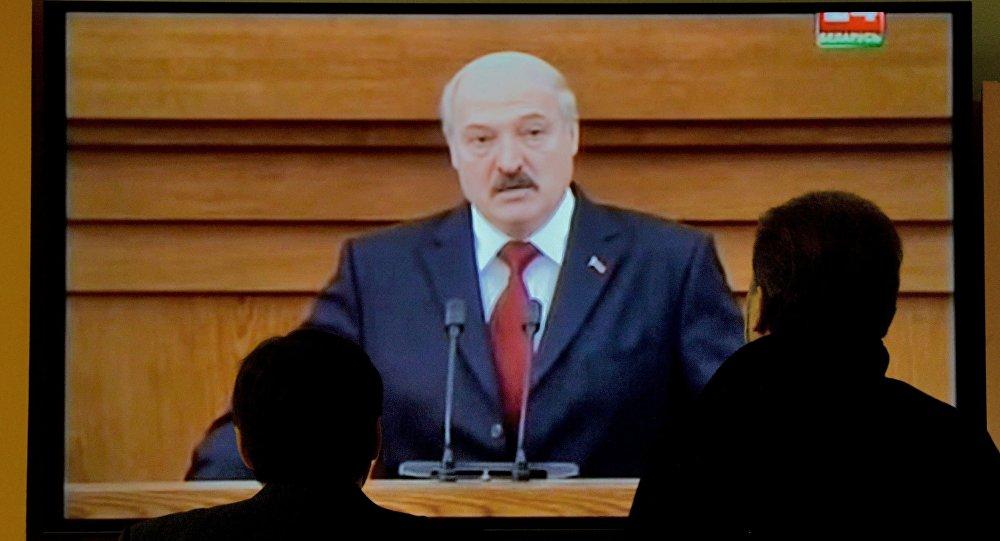 Трансляция из Овального зала Дома правительства