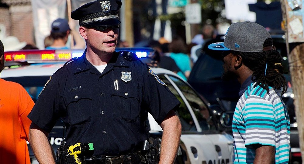 the brutality and racism of police officers in the united states of america Those of the minority community have been subjected, for many decades, to violence by those in law enforcement in the united states this type of violence is a direct depiction of police brutality, which often leads to death.