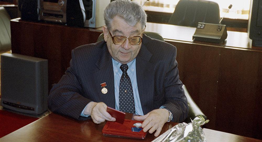 Российский журналист В. Зорин