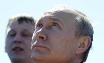 Президент РФ В. Путин на космодроме Восточный