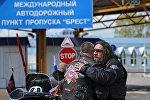 Президент мотоклуба Ночные волки Александр Залдостанов на белорусско-польской границе