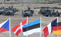 Учения НАТО на полигоне возле Свентошув Жагань, Польша