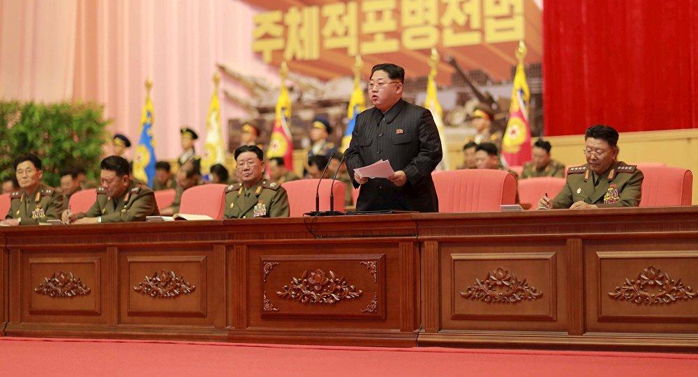 Ким Чен Ын выступает с обращением к представителям корейской народной армии