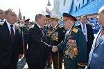 Президент РФ В.Путин и премьер-министр РФ Д.Медведеев на военном параде в честь 71-й годовщины Победы в ВОВ