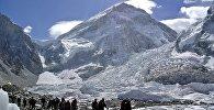Альпіністы вяртаюцца з экспедыцыі на Эверэст, архіўнае фота