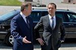 Премьер-министр России Дмитрий Медведев и его коллега Андрей Кобяков