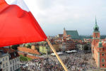 Польский флаг над Варшавой