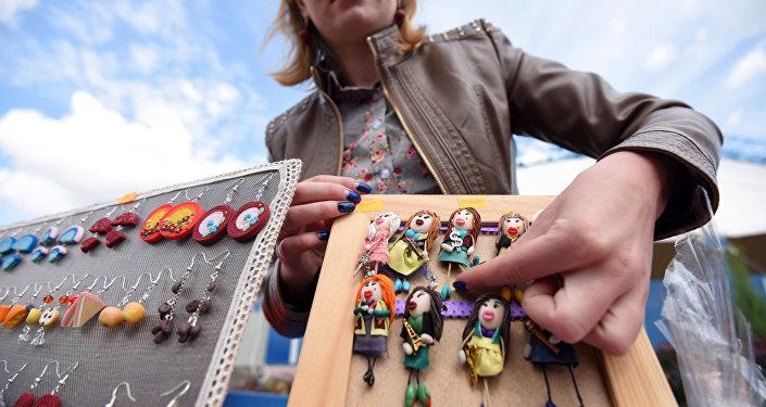 В Беларуси неменее 10 тыс. «тунеядцев» получили «письма счастья»