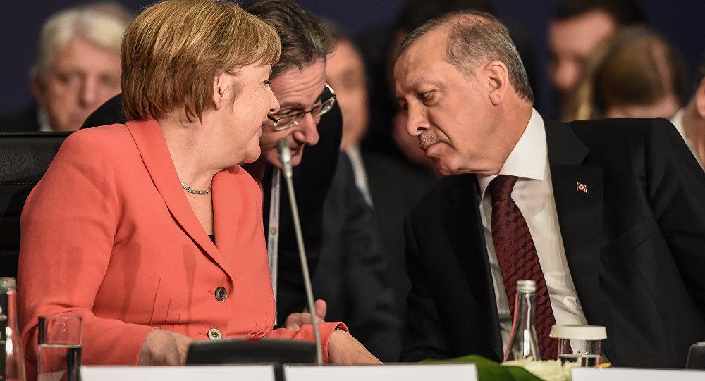 Ангела Меркель и Реджеп Эрдоган на Всемирном гуманитарном саммите