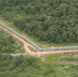 СПУТНИК_Стена от мигрантов – болгары строят многокилометровый забор на границе с Турцией