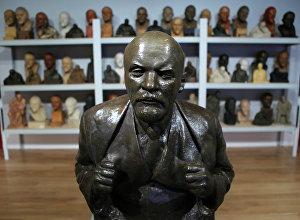 Работа скульптора Н.А. Андреева Портрет В.И. Ленина