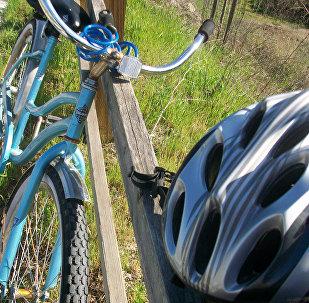 Велосипед и велошлем