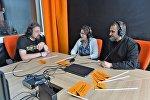 Священник Павел Сердюк и детский психолог Наталья Таран в студии радио Sputnik