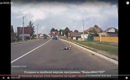 Перебежать через дорогу: ребенок едва попал под машину в Шклове