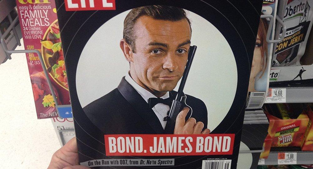 Обложка журнала Life c Шоном Коннери в роли агента 007