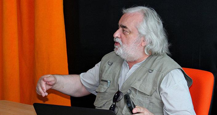 Политический обозреватель в студии радио Sputnik Беларусь